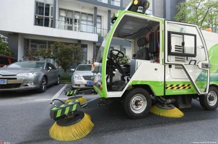 探访全球首个无人驾驶清扫车队