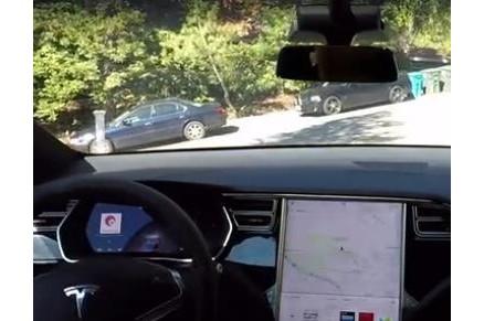 特斯拉全自动驾驶演示