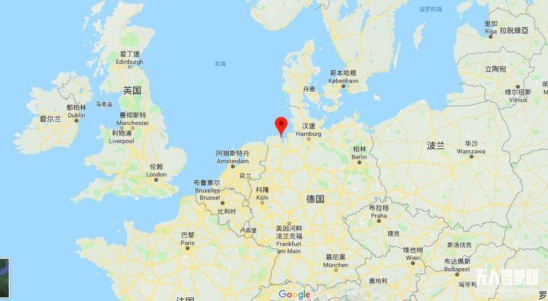 中国无人驾驶环卫第一车落地德国