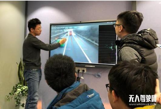 """智加科技崔迪潇:自动驾驶年轻""""老司机"""",起个大早,要赶个早集"""