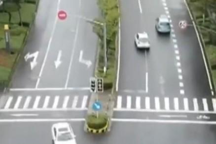 宝马与多家中国公司合作无人驾驶:德国跨国公司投下百亿中国布局