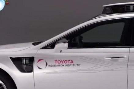 美国研究自动驾驶技术,容易撞上黑人!