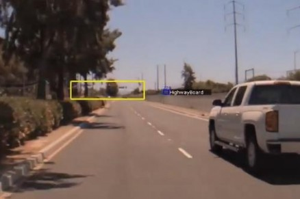 自动驾驶汽车如何对交通标志和信号灯进行分类